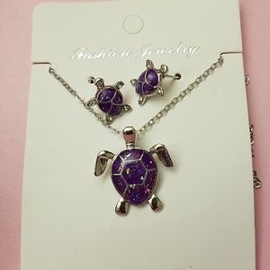 Adorable purple tortoise necklace set